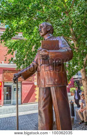 Melbourne Chinatown statue