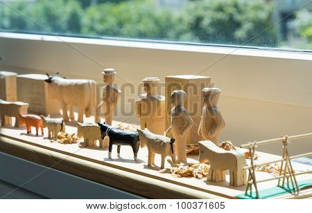 Hand-made Wooden Toys: Men And Farm Animals
