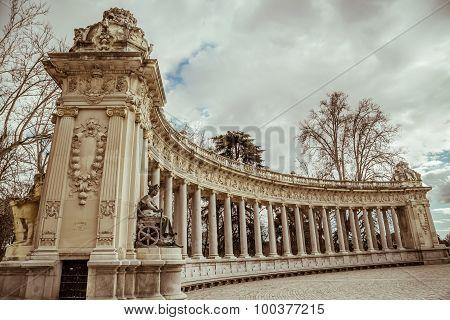 Historical monument in Buen Retiro park