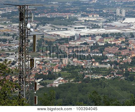 Wireless Telecommunications Antenna Over The Immense Metropolis