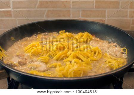 tagliatelle cooking fettuccine