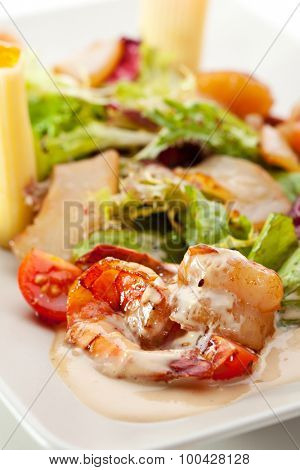 Seafood with Rigatoni Pasta and Mixed Salad