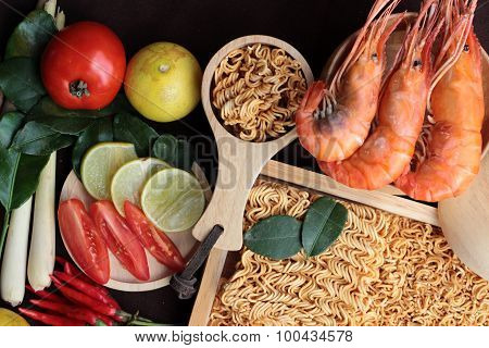 Dry Instant Noodle - Asian Ramen And Shrimp ,vegetables For Soup.
