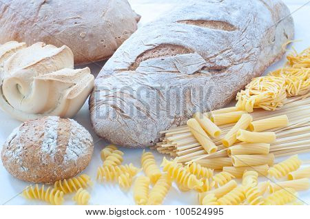 Different varieties of Italian pasta and homemade bread