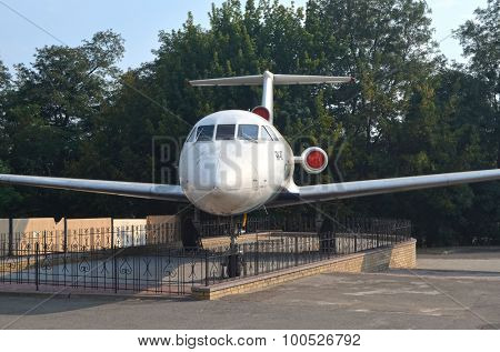 KIEV, UKRAINE - SEP 2, 2015:  The monument of Soviet of airplane Yak-40    near Technical History Museum  of National Polytechnic University on September 2, 2015 in Kiev, Ukraine
