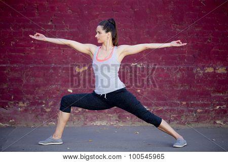 Street Yoga: Virabhadrasana 2 Pose