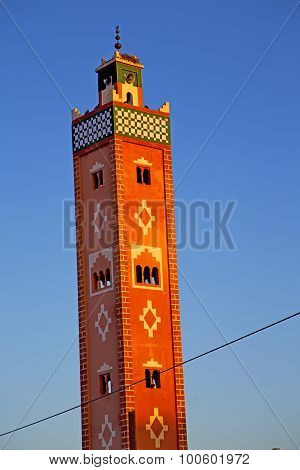Muslim   In   Mosque  The History     Africa  Minaret Religion And    Sky