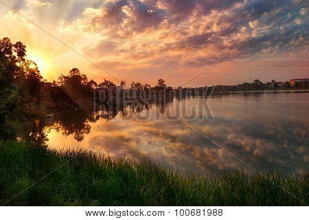 Sunrise over Elk lake2