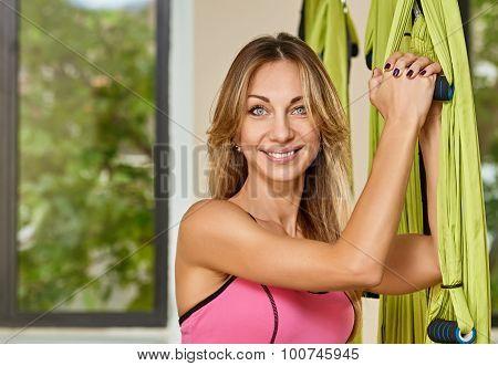 Antigravity yoga trainer