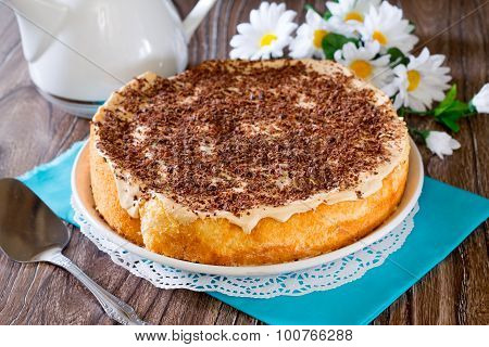 Sponge Cake With Whipped Cream And Condensed Milk
