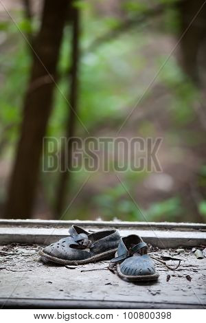 Abandoned pair of children's sandals