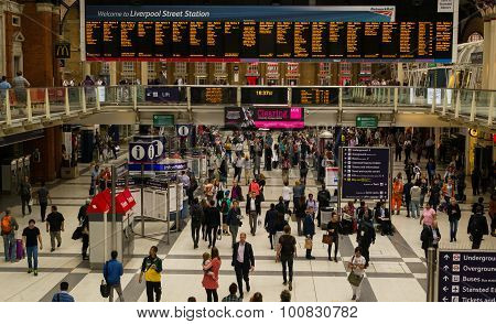 Commuters Using The Busy London Liverpool Street Station