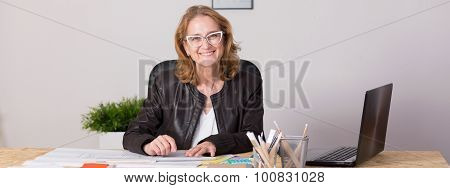 Experienced Professional Businesswoman
