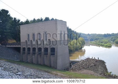 spillway control house