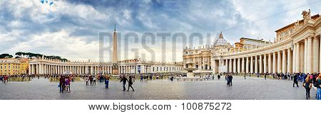 Vatican City, Vatican - October 29: Tourists Visiting The Square And The Basilica Of St. Peter In Ro