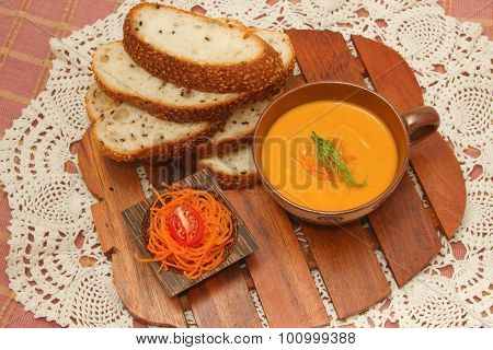 Salmon And Carrot Cream Served With Whole Wheat Bread