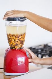 pic of blender  - Blender with activated almonds - JPG