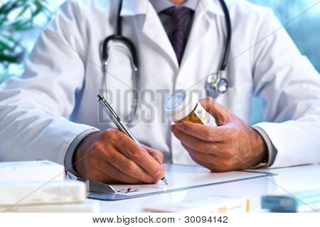 Doctor escritura fuera Rx Prescription