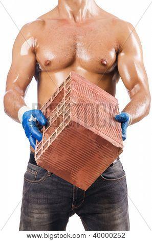 Albañil sexy con ladrillos