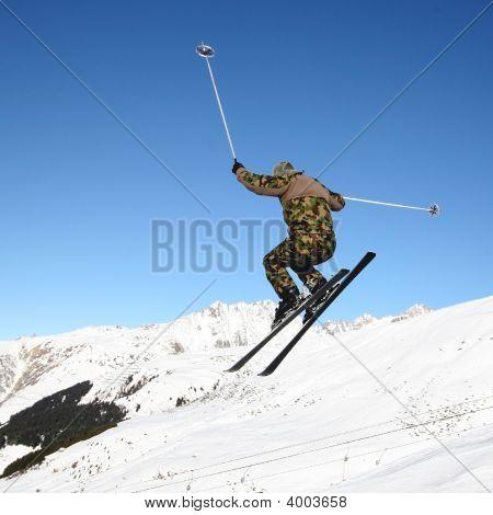 Skiing Militarist