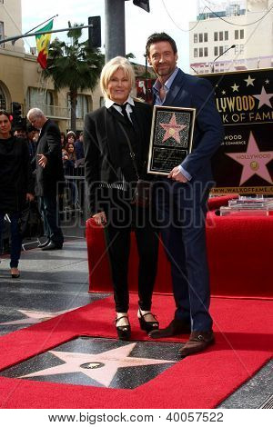 LOS ANGELES - DEC 13:  Deborra-Lee Furness, Hugh Jackman at the Hollywood Walk of Fame ceremony for Hugh Jackman at Hollywood Boulevard on December 13, 2012 in Los Angeles, CA