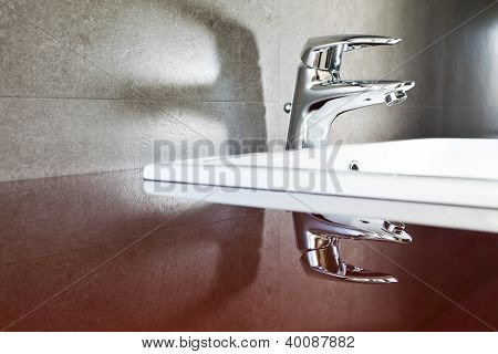 Faucet Reflection Shadow