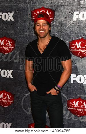 .LOS ANGELES - DEC 10:  Kip Moore arrives to the American Country Awards 2012 at Mandalay Bay Resort and Casino on December 10, 2012 in Las Vegas, NV