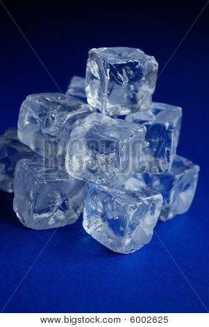 Fake ice cubes
