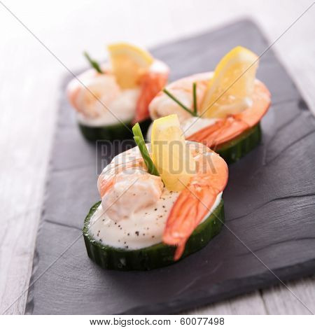 appetizer, cucumber with shrimp