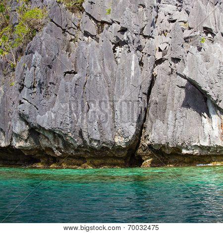 Rock And Sea In El Nido, Philippines .