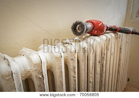 Sanding radiator -Preparation radiator for painting