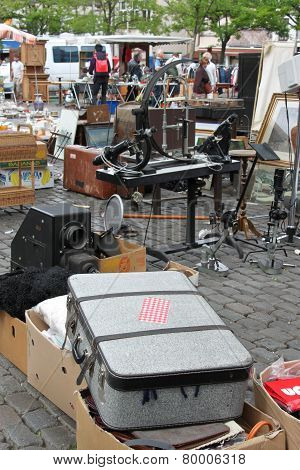 Flea Market At Place Du Jeu De Balle (vossenplein) In Brussels