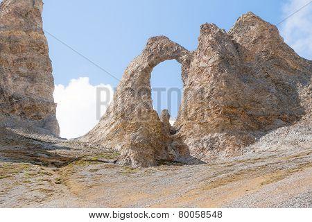 L'Aiguille Percee close up