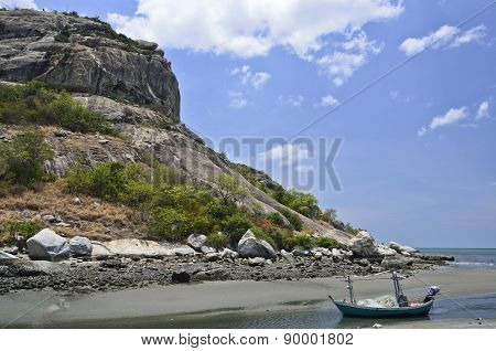 Boat On The Beach And Rock Mountain,huahin Thailand