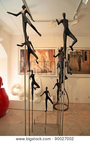 Contemporary Sculptures And Paintings At Art Gallery In Saint Paul De Vence