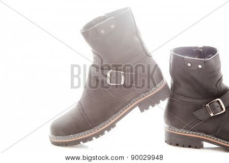 Men's winter boots with zipper and locking buckle