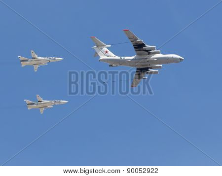 Complex Steam Refueling Of Military Aircraft In The Air