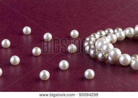 Silver and White Pearls Necklace
