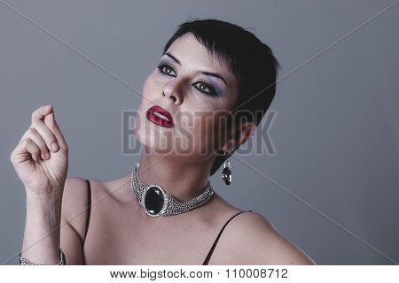 make-up Sensual gesture girl dressed in the style of 20s and 30s