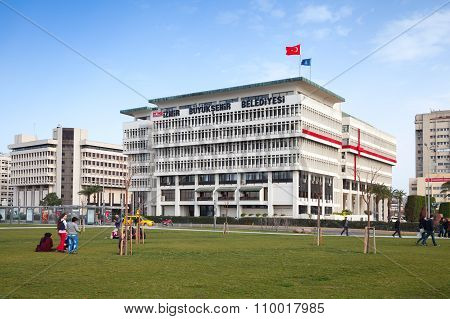 Izmir Metropolitan Municipality Office Building