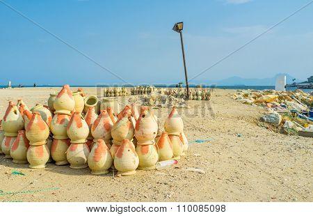 The Earthenware Pots