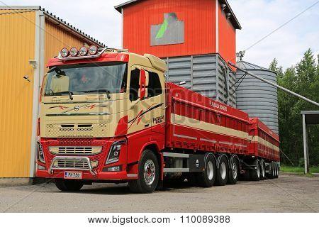 Volvo FH16 750 For Grain Transport