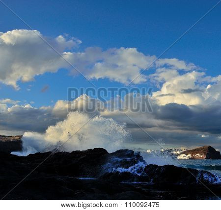 Breaking waves, coast of Gran canaria