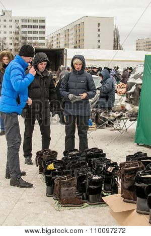 Russian Shoppers Buying Winter Boots