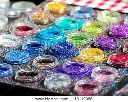 Paint With Glitter And Gloss For Body Puposes