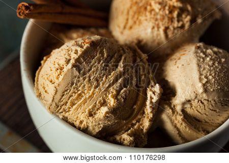 Homemade Pumpkin Pie Ice Cream