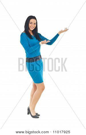 Mujer atractiva hacer presentación