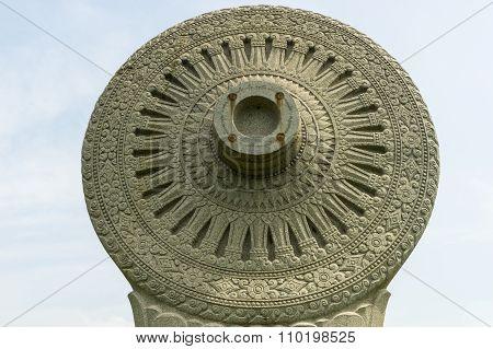 Buddha rock rowel