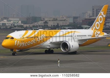 Scoot Boeing 787 Dreamliner Airplane
