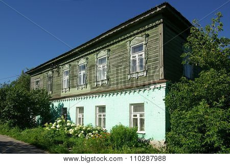 Kolomna, Russia - Jule, 2014: Old Wooden Houses On The Streets Of The Town